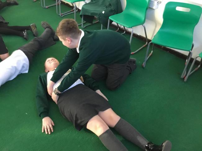 Harlow Schoolkids get Red Cross first aid training
