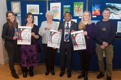 Loughton Art Trail organisers with Mayor Philip Abraham; L-R Jenna Thorne (LifeWorks Creative Arts Co-ordinator), Ruth Dronsfield (artist and art teacher), Diane Rhodes (manager, Lopping Hall Gallery), Ruth Batten (photographer), and Stephen Pewsey (town