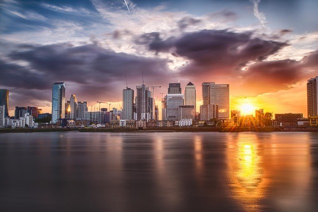 Luciano Ocesca sent this atmospheric picture of Canary Wharf at dusk